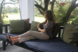 porch_swing_bed_hummingbird-e1388425223880